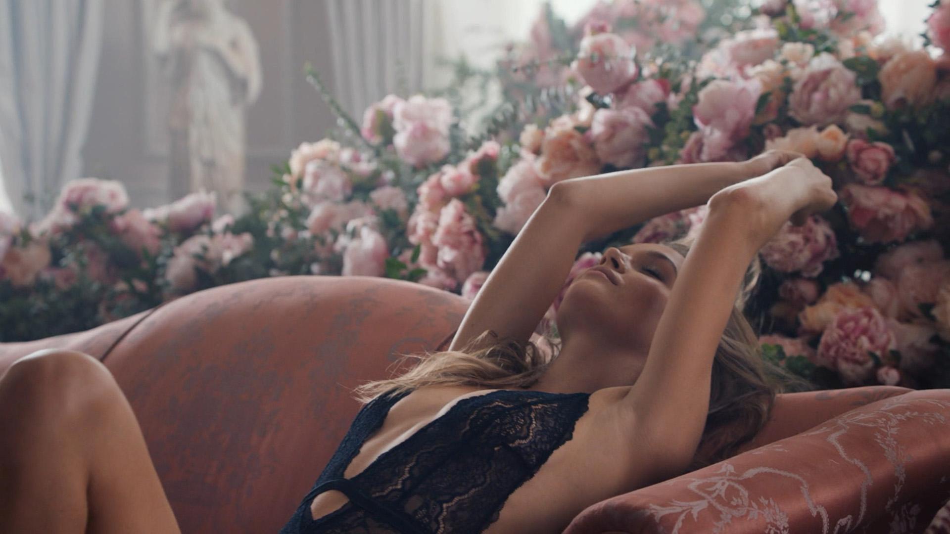 Victoria's Secret Holiday Campaign 2019 — Dir. Cut-0123