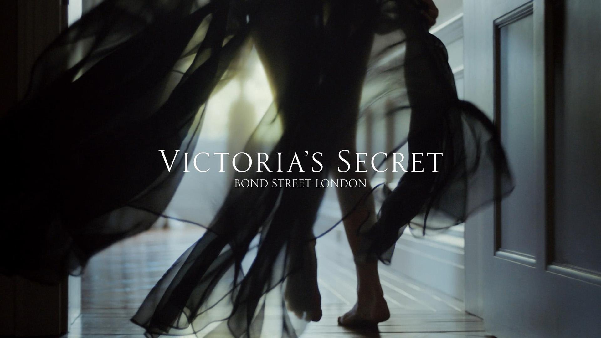 Victoria's Secret Holiday Campaign 2019 — Dir. Cut-0168